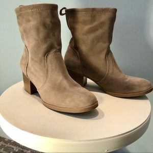 White Mountain Sued Slouchy Boots